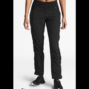 NWT North Face on the go pant